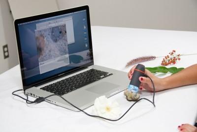 Celestron 44301 Dijital Mini El Mikroskopu - Thumbnail