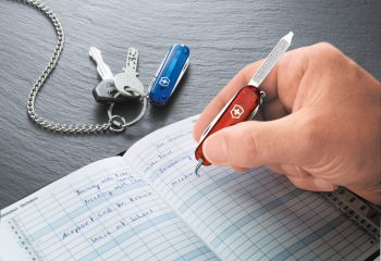 Victorinox 0.6225.T Signature Ruby Çakı